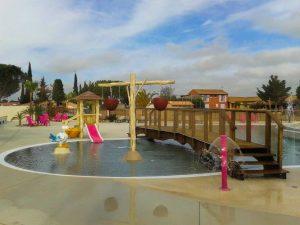 materiel-piscine-aire-de-jeux-300x225