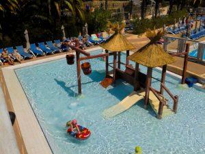 materiel-piscine-jeux-aquatique-300x225