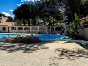 materiel-piscine-parc-aquatique-300x225