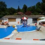 équipement parcs aquatiques - Jeux en structure polyester standards ou sur mesure pour aires de jeux aquatiques