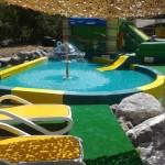Structure polyester pour aires de jeux aquatiques ludiques, pataugeoires